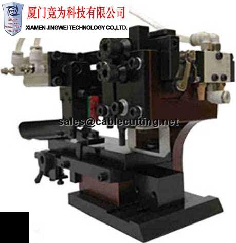 Pneumatic automatic machine super wide horizontal die